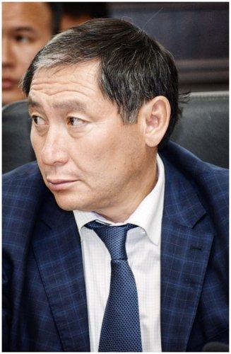 Аким Павлодара отчитался перед народными избранниками