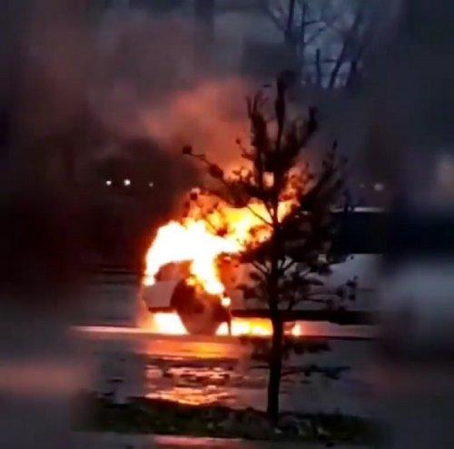 В Павлодаре на улице Ворушина сгорел автомобиль