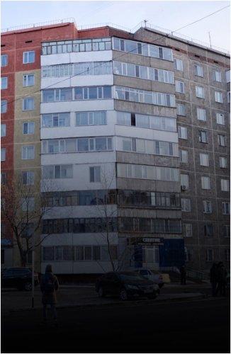 Почему дом по улице Естая остался недокрашенным?