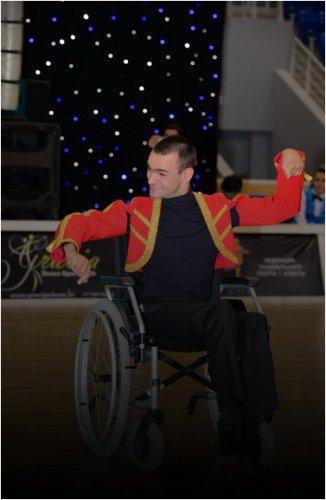 Сирота, инвалид I группы, параспортсмен Игорь Шиллер 12 лет стоит в очереди на жилье