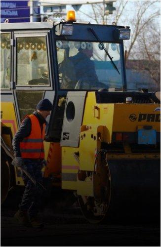 Отдел ЖКХ начал работы по восстановлению дорожного полотна и нанесению дорожной разметки