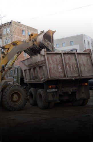 Павлодарские дворы освобождают от стихийных свалок и круногабаритного мусора