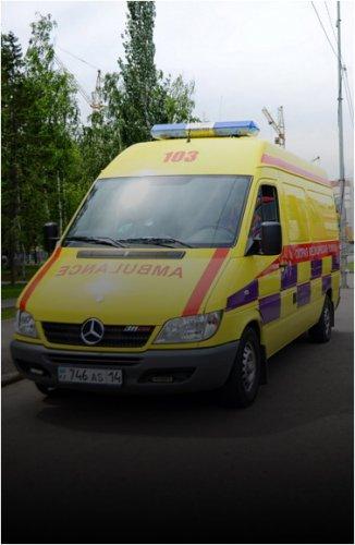 Мужчина удерживал работников скорой помощи в собственной квартире