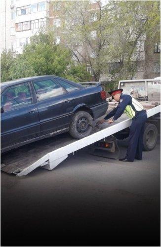 Павлодарец лишился своей иномарки из-за долгов по налогу на транспорт