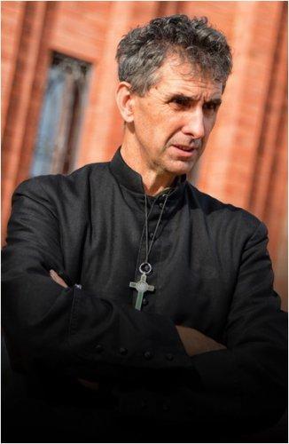 Какой бывает религия: Отец Ян о неоправданных ожиданиях прихожан и об интимности священнослужения