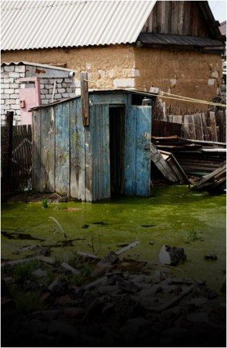 «Нам кажется, что местная власть ждет первых жертв» - жители затопленных домов Павлодара