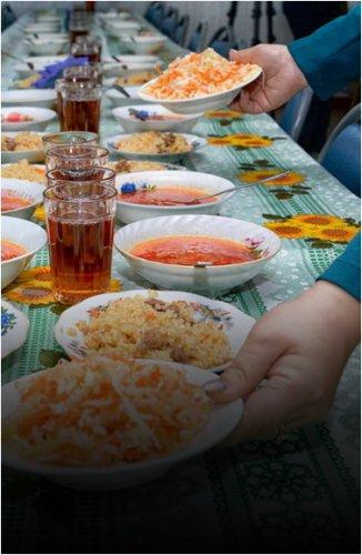 Выгодно ли арендаторам столовых бесплатное питание для младшеклассников?