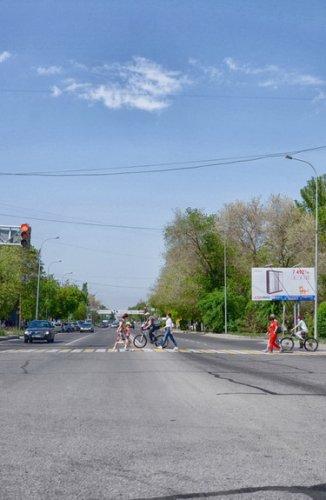 Вафельная дорожная разметка и надземные пешеходные переходы могут появиться на крупных перекрестках