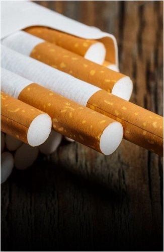 Казахстанцев обязали предъявлять документы при покупке табака и алкоголя