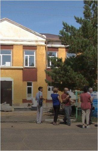 Кислородные концентраторы доставили в провизорный госпиталь Щербактинского района