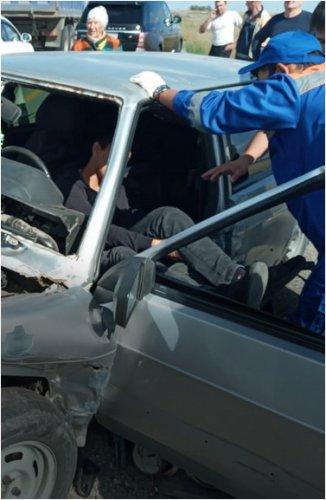 Молодого человека увезли на «скорой» после аварии на трассе Кызылорда - Павлодар