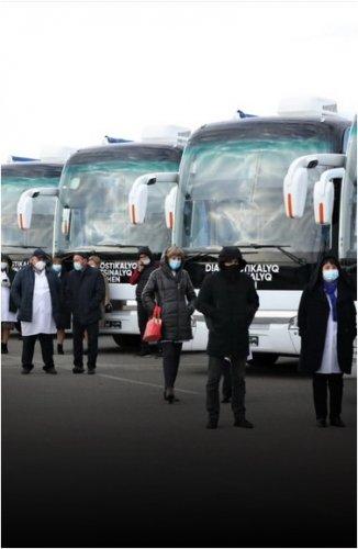 Сельским медицинским организациям Павлодарской области вручили передвижные медкомплексы