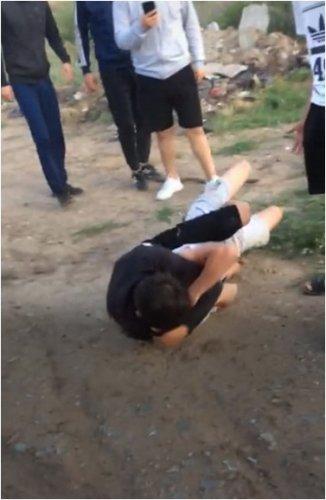 Бил руками и ногами, прыгал на голову: закрыли дело по факту жестокой драки