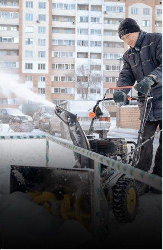 В жилинспекции Павлодара напомнили, что убирать снег со дворов должны обслуживающие организации