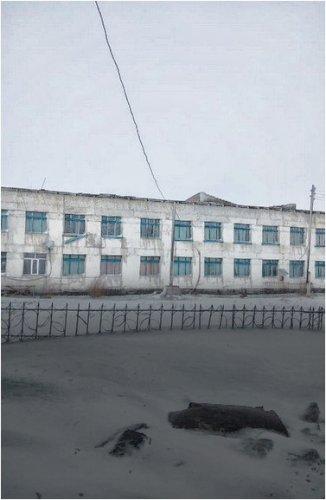 Сильный ветер сорвал кровлю у двух школ в Павлодарской области