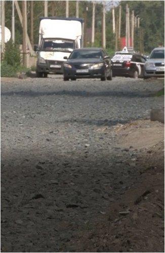 «Для удобства жителей» рассыпали щебень на Втором Павлодаре
