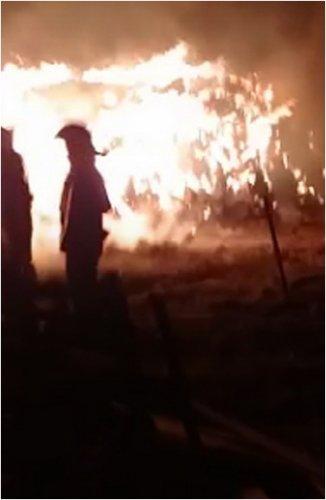 Крупный пожар произошел в промзоне Павлодара